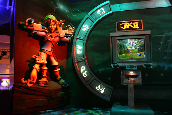 Jak, Daxter, and a Jak II kiosk