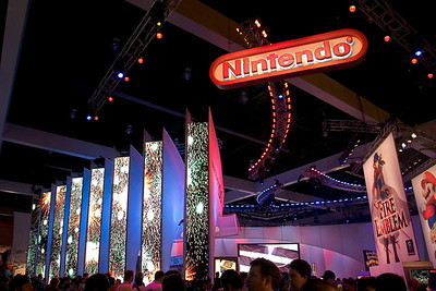 In the West Hall, Nintendo still knows how to attract attention with a few (or, in this case, one) key titles...