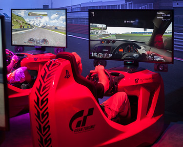 Matterhorn on the left, Silverstone (from GT-R cockpit view) on the right