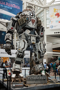 First impression of E3 2013 is a good one.  EA surely spent some bucks on this life-size animated display