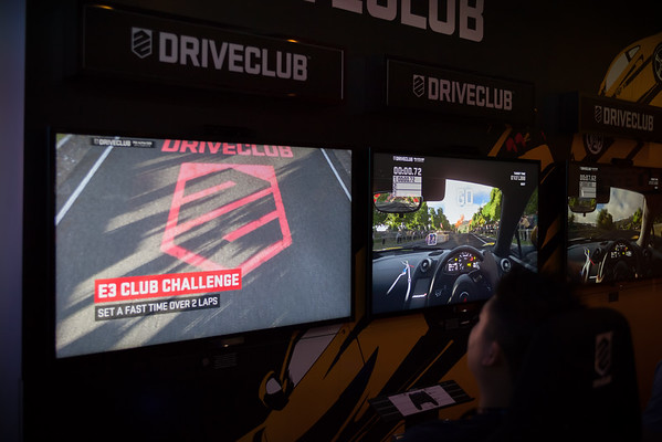 The line does not seem very long for DriveClub, so I decide to check it out