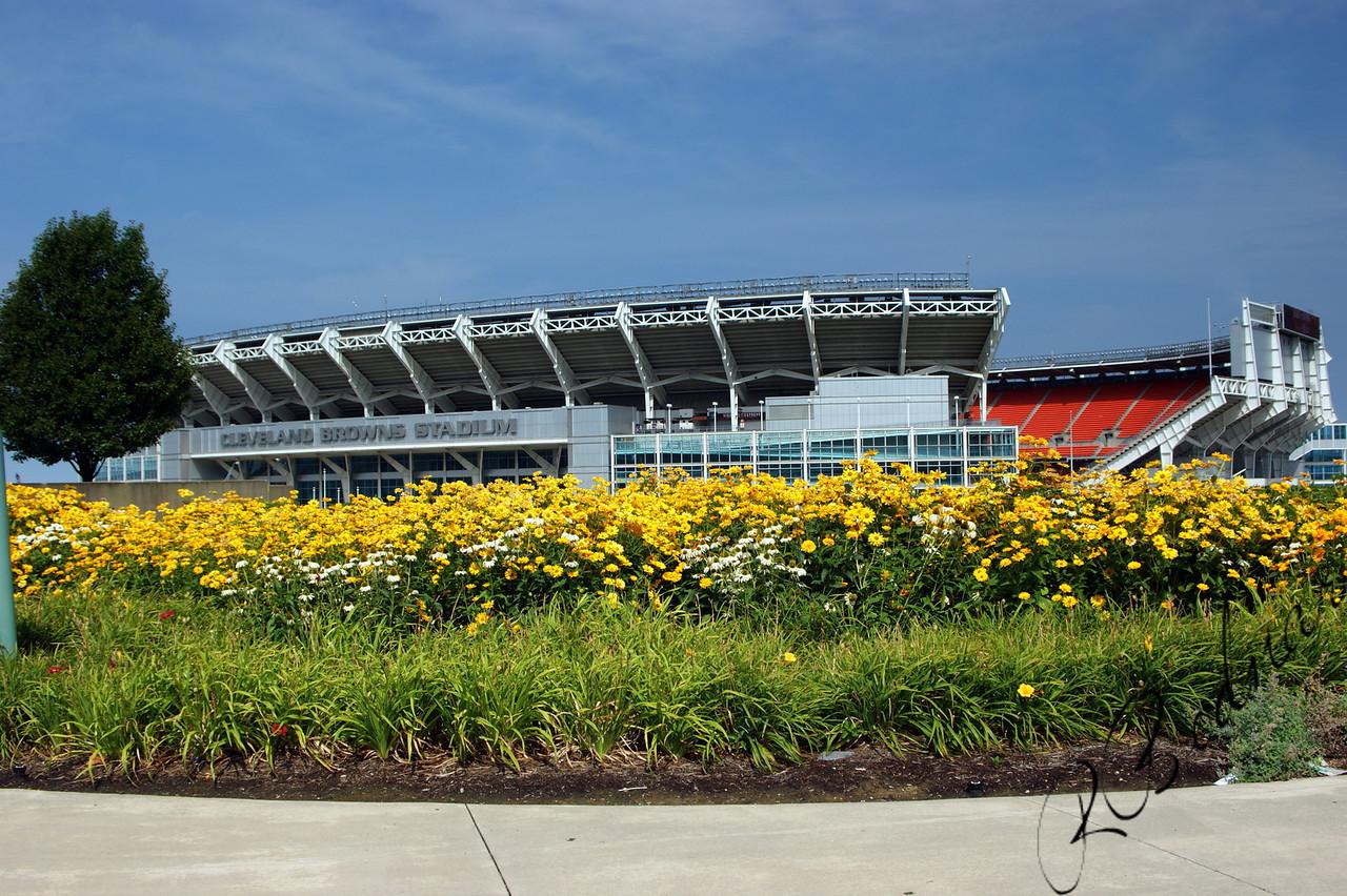 Photo By Bob Bodnar........................................Cleveland Browns Stadium