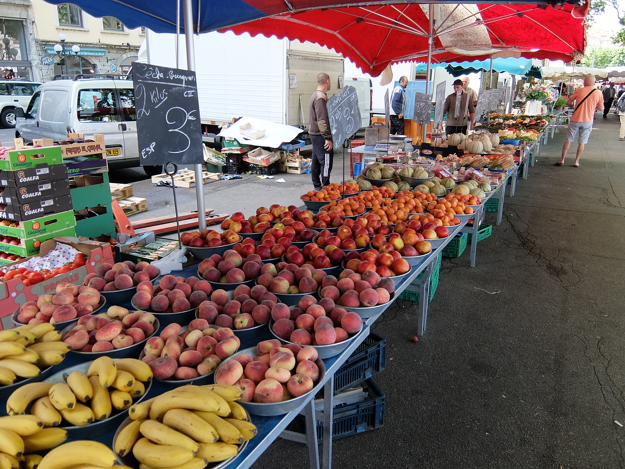 Fruit stand in Lyon