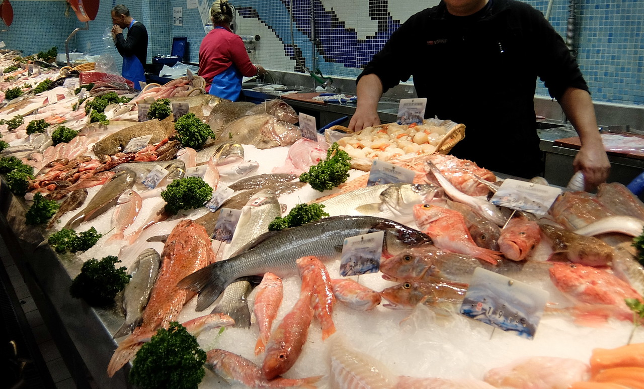 Fish stand inside Les Halles