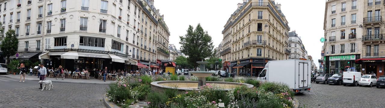 A Paris roundabout
