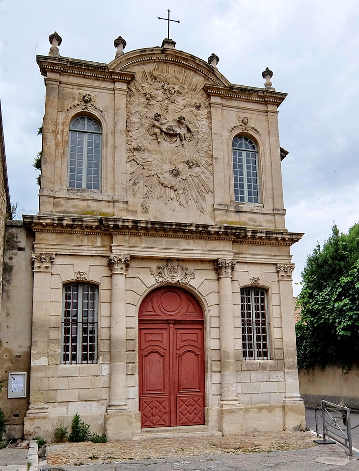 Small church in Avignon