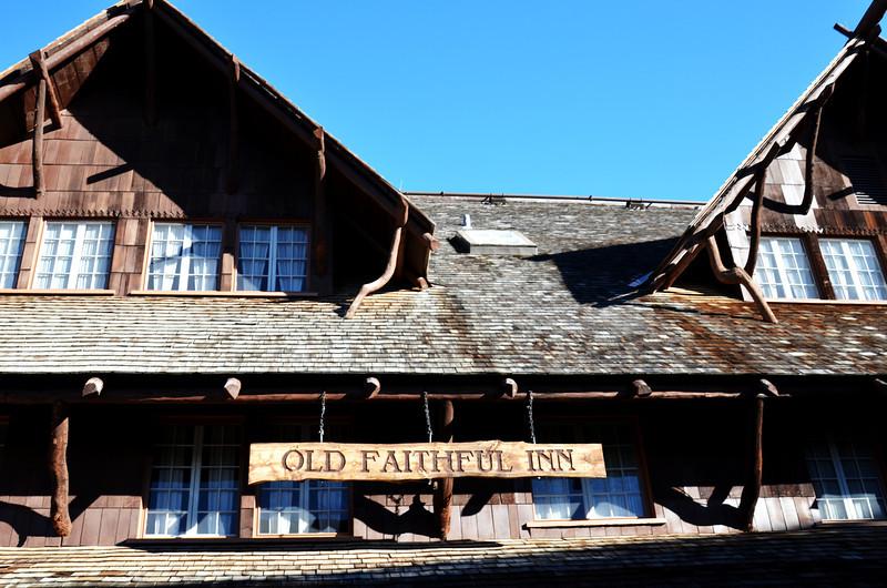 Old Faithful Inn in Yellowstone National Park 802