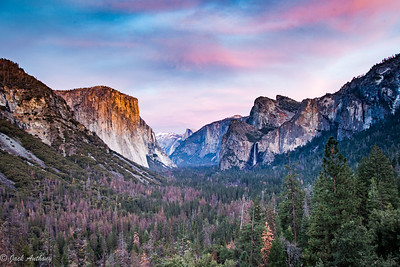 Yosemite Valley from Tunnel View overlook