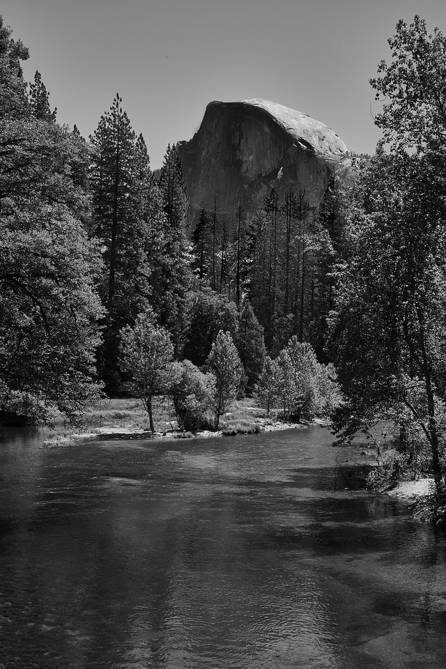 IMAGE: https://photos.smugmug.com/Photography/Yosemite-in-Black-and-White/i-n9PGDFP/0/8dcd75c9/X2/L1004792%202-X2.jpg