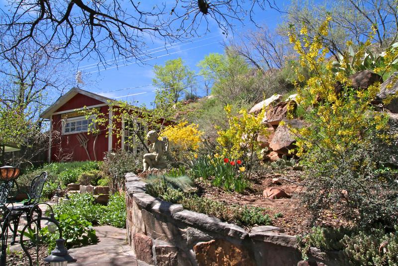 Under the Eaves Bed & Breakfast- Springdale, Utah. Back yard garden.