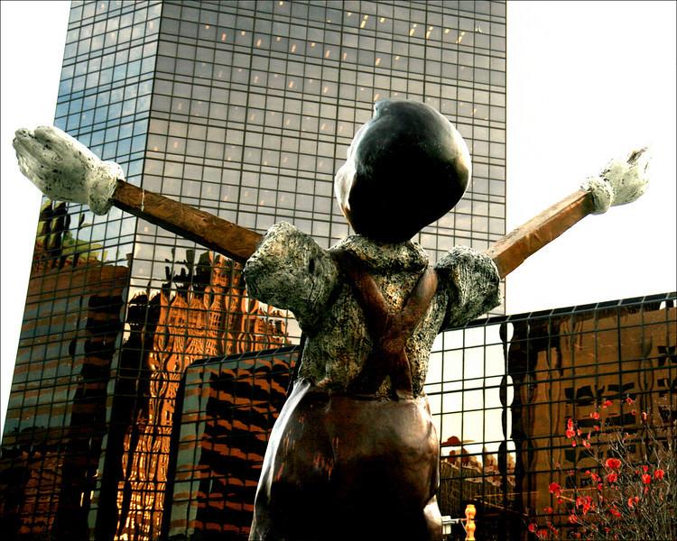 Jim Dine's statue of Pinocchio in St. Louis Citygarden, Big White Gloves.