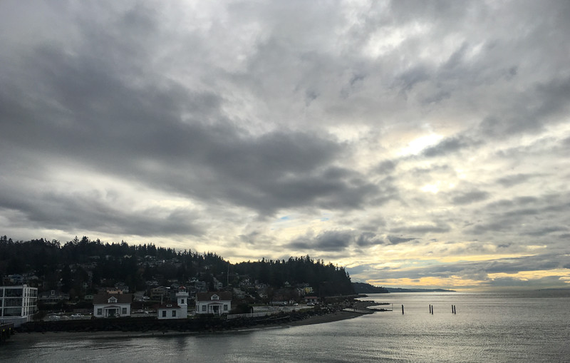 5 Jan: On the Mulkiteo ferry, departing for Whidbey island.