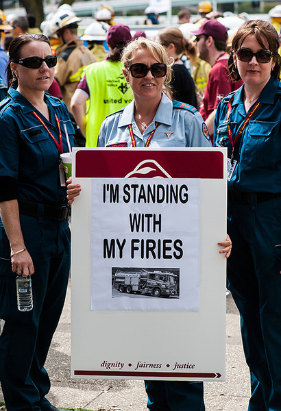 brisbane firies demo: 3 shot