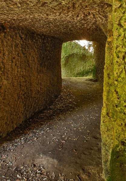 Etruscan tunnel on an Etruscan highway (Cava San Rocco, Sorano, Italy 2011)