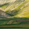 Deep valley (Piano Grande di Castelluccio, Italy 2012)