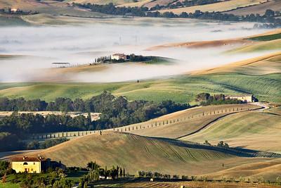 At dawn (Pienza, Italy 2012)