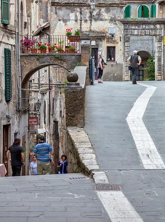 Tight turn (Sorano, Italy 2012)