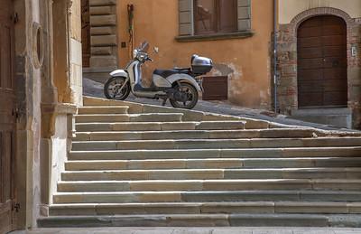 Stair transport (Arezzo, Italy 2012)