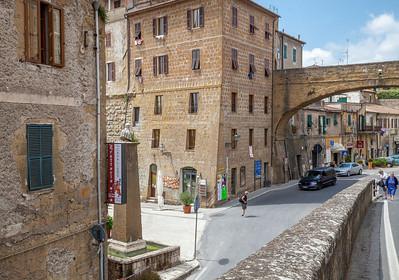 Before the tourist come (Pitigliano, Italy 2012)
