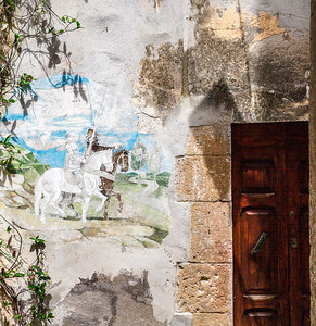Is there anything more enjoyable than a good honest war? (Pitigliano, Italy 2012)