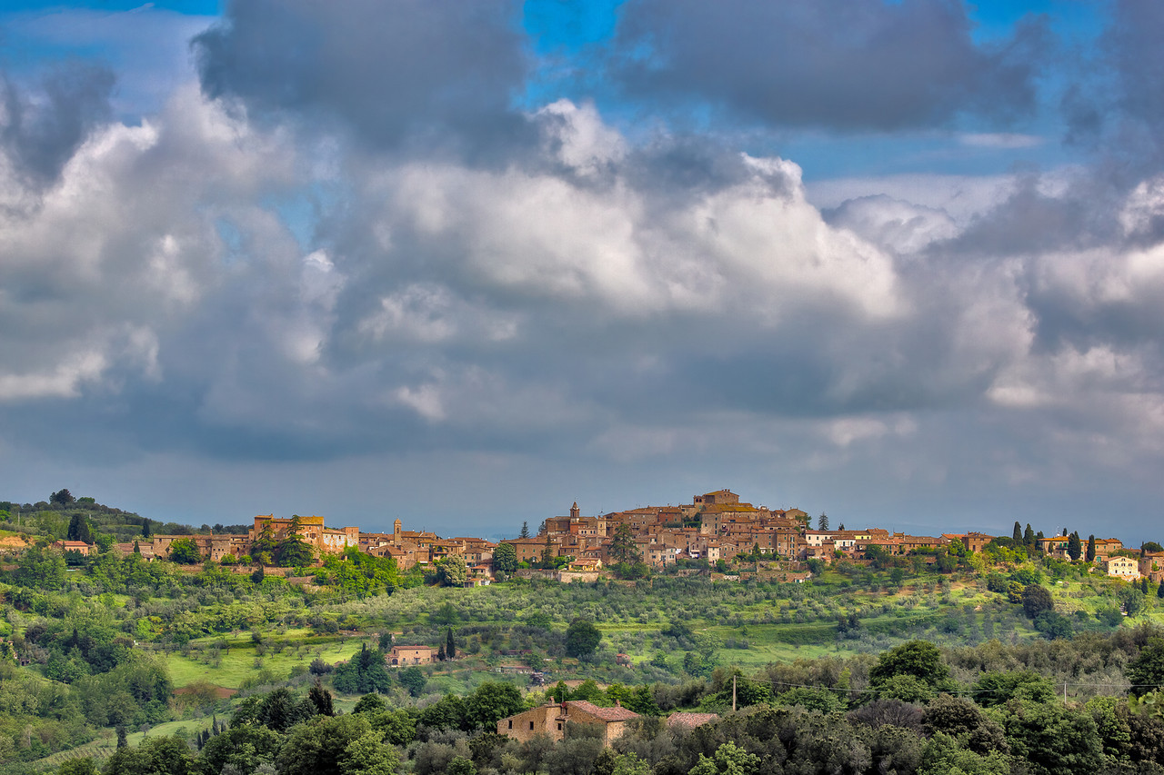 Morning clouds over Montisi