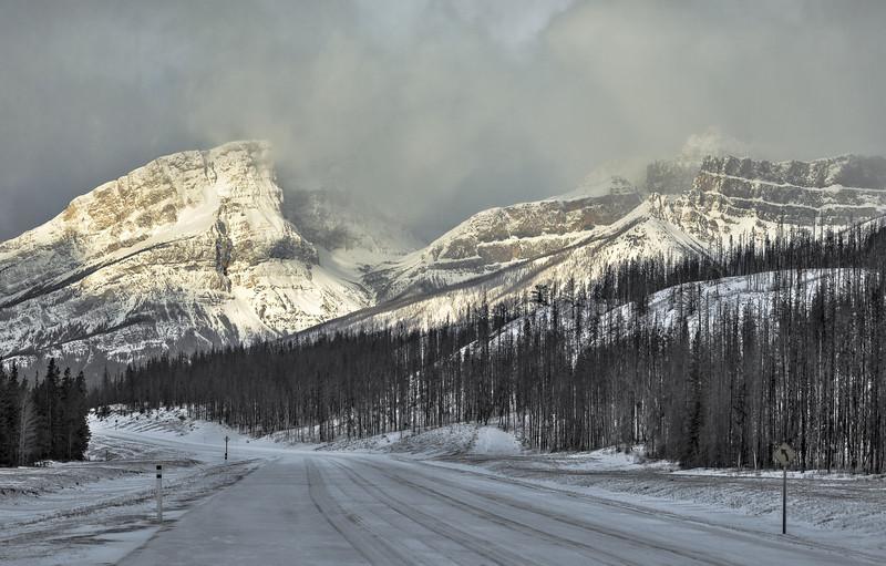 Highway to the peaks (Canadian Rockies, Alberta, Canada 2013)