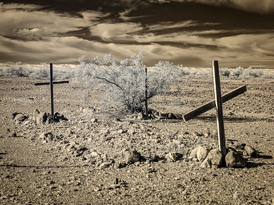 Unmarked Graves. Amos, California