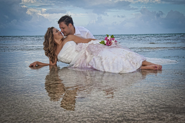 Laura & Kevin - Trash the Dress - Belize - 6th of January 2013