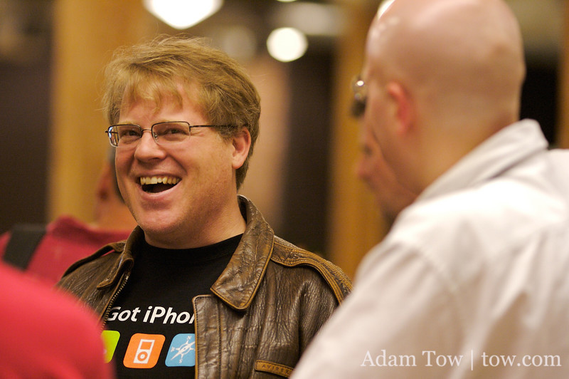 Scoble shares a laugh with Raven.