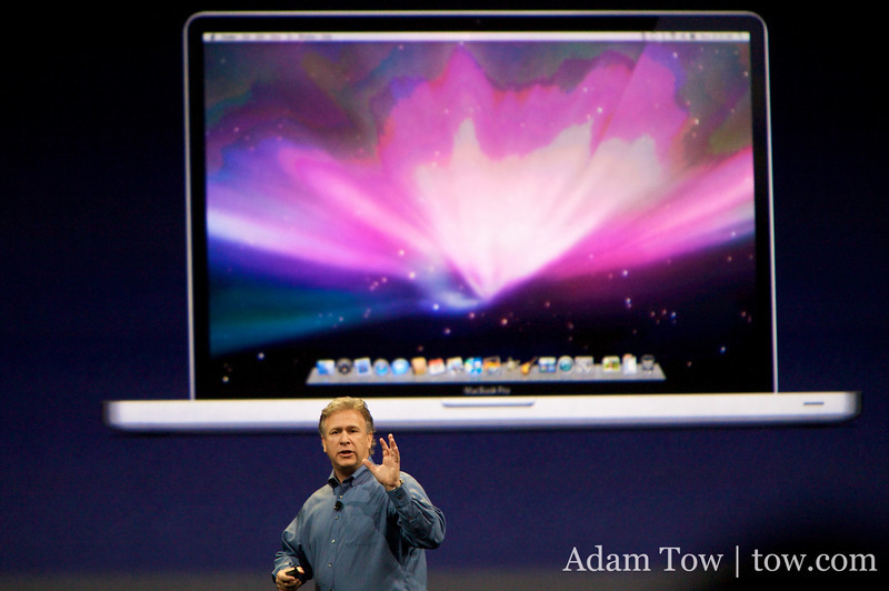Phil introduces the 17-inch MacBook Pro, which can be configured with an anti-glare screen. Whiter that option for the 15-inch MacBook Pro?