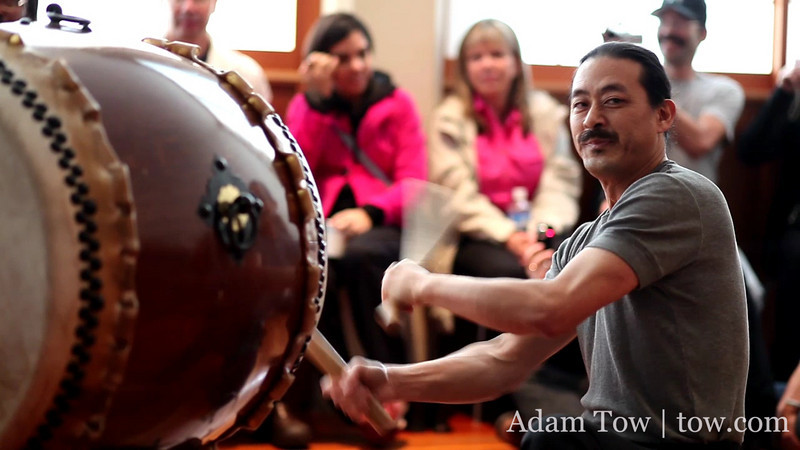 HD Video of taiko drumming at Somei Yoshino's Open House in Oakland. Taken with Canon EOS 5D Mark II and 85mm f/1.8 lens. There are two interruptions near the middle end of the video clip when I took some still photos.