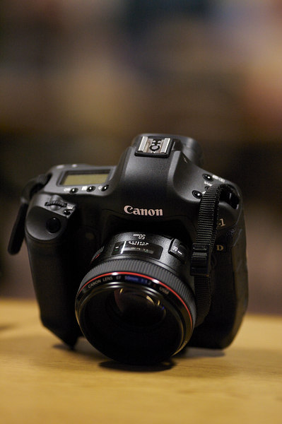 The new speed king, the EOS-1D Mark III Digital SLR from Canon.
