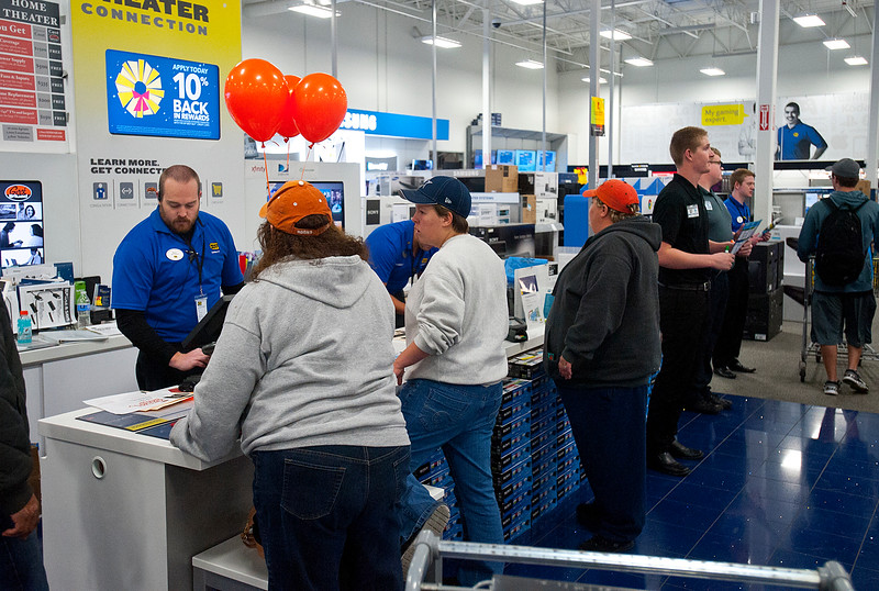 Customers wait to be served at Best Buy Grey Thursday sale. On Thanksgiving November 27 2014.