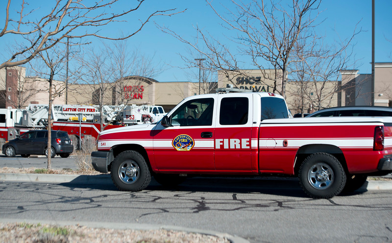 Layton City Fire Department arrives to a gas leak at a shopping center. In Layton on March ,9 2015.