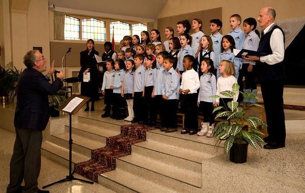 Chorale d'enfants de l'école d'enseignement personnalisé de l'Ouest Édouard-Bond, sous la direction de M. Richard Proulx.