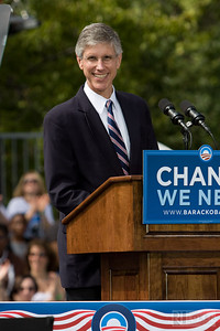 Belmont, NC Mayor Richard Boyce warms up the crowd at the Obama Rally.