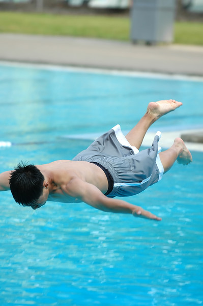 For the Enterprise/John Kossik<br /> Joon Choi, 14 of Edmonds prepares for impact in the bellyflop contest