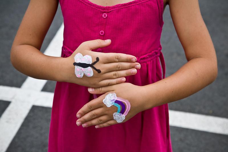 Jenna Zitel's hands.