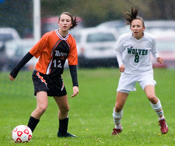 NJ 102307 H girls soccer spts