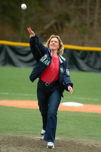 Mill Creek Mayor Donna Michelson throws out first pitch of Mill Creek Little League Season at Freedom Field