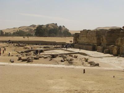 Hafré völgytemplomának rakpartja és a templom bejáratai