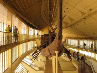 Khufu napbárkája a Bárkamúzeumban