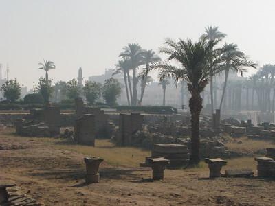 A Luxor Templomnál