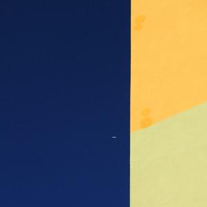 Prefab Minimalism with Airliner — Panel-minimalizmus utasszállítóval