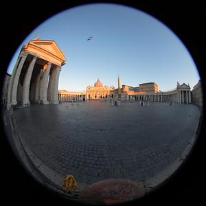 S Pietro in alba — St. Peter's at dawn — A Szent Péter bazilika hajnalban