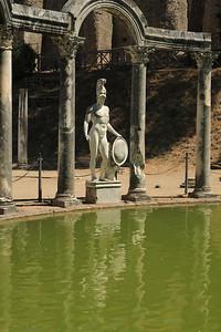 Statue di Mars a canopus di Villa Adriana — Mars szobra a Hadrianus-villa canopus-ában