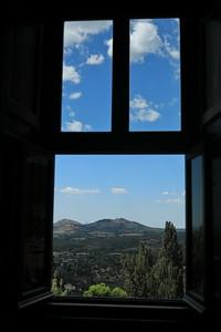 Una finestra di vista — Egy ablak kilátással