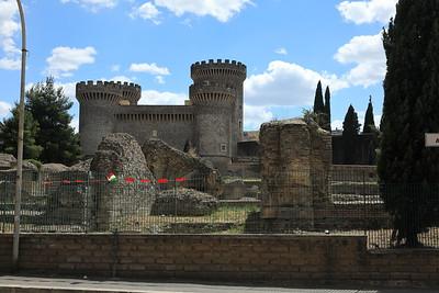 La Rocca di Tivoli — A várkastély Tivoliban