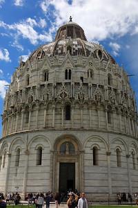 Pisa, Il Battistero