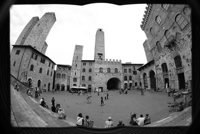 Il libro illustrato di San Gimignano— San Gimignano Illustrated — San Gimignano képeskönyve ;)
